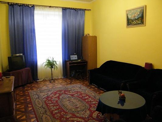 1-комнатная квартира посуточно в Львове. Лычаковский район, ул. Севастопольская, 9. Фото 1
