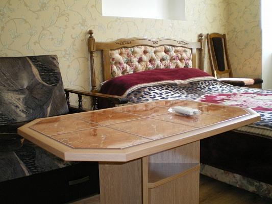 1-комнатная квартира посуточно в Одессе. Приморский район, ул. Греческая, 40. Фото 1