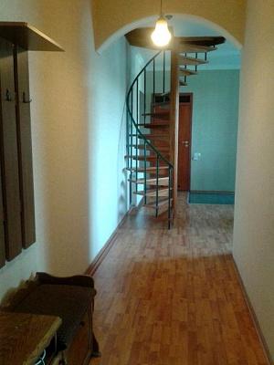 4-комнатная квартира посуточно в Одессе. Приморский район, ул. Троицкая, 28. Фото 1
