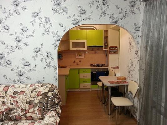 2-комнатная квартира посуточно в Северодонецке. ул. Маяковского, 15. Фото 1