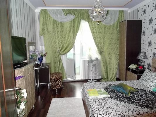 3-комнатная квартира посуточно в Борисполе. ул. Киевский Путь, 39. Фото 1