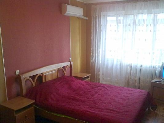 2-комнатная квартира посуточно в Одессе. Киевский район, ул. Академика Королёва, 81. Фото 1