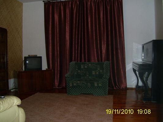 3-комнатная квартира посуточно в Ужгороде. ул. Добрянского, 25/3. Фото 1