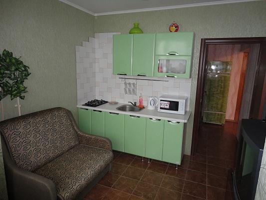 1-комнатная квартира посуточно в Ялте. ул. Малышева, 6А. Фото 1