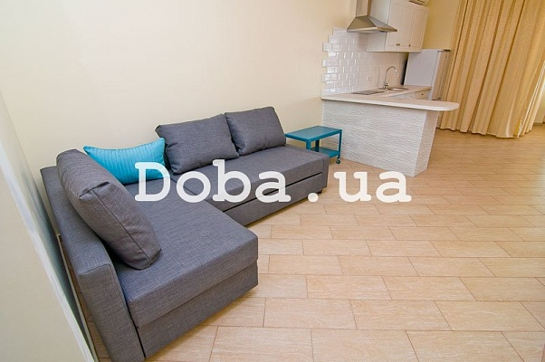 2-комнатная квартира посуточно в Феодосии. Черноморская наб., 1. Фото 1