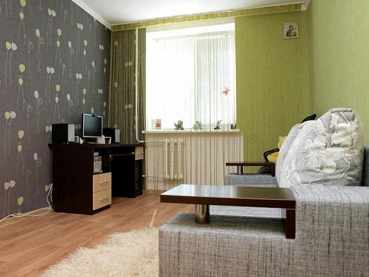2-комнатная квартира посуточно в Евпатории. ул. 60 лет Октября, 30. Фото 1