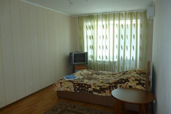 2-комнатная квартира посуточно в Северодонецке. ул. Танкистов, 17. Фото 1