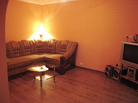 1-комнатная квартира посуточно в Берегово. ул. Корятовича. Фото 1