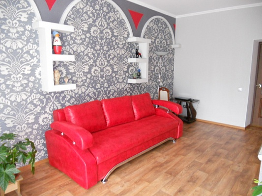2-комнатная квартира посуточно в Николаеве. Центральный район, ул. Декабристов, 21. Фото 1
