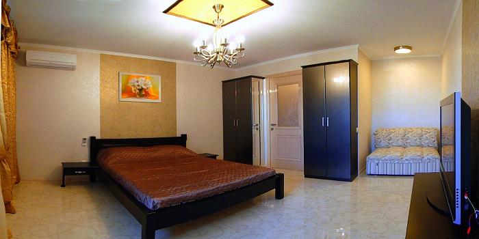 2-комнатная квартира посуточно в Севастополе. Гагаринский район, ул. Ефремова, 24. Фото 1