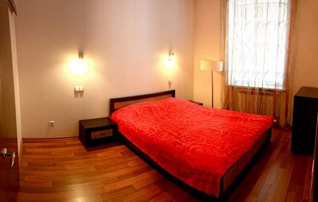 1-комнатная квартира посуточно в Белой Церкви. пер. Институцкий, 1. Фото 1