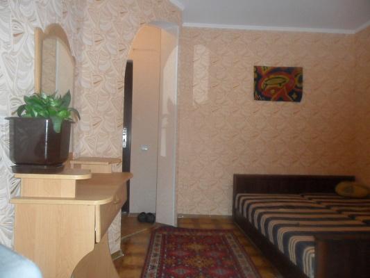 1-комнатная квартира посуточно в Сумах. Ковпаковский район, ул. Засумская, 14. Фото 1