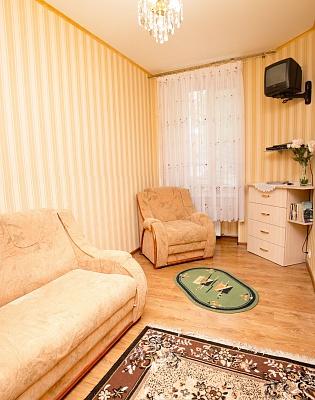 1-комнатная квартира посуточно в Львове. Франковский район, ул. Городоцкая, 165. Фото 1