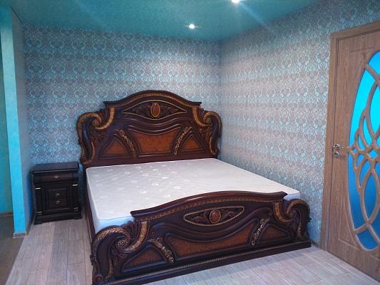 2-комнатная квартира посуточно в Житомире. ул. Покровская (Щорса), 5. Фото 1