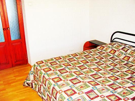 3-комнатная квартира посуточно в Луганске. Ленинский район, ул.Коцюбинского, 27. Фото 1