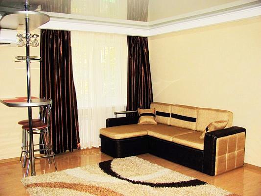 1-комнатная квартира посуточно в Луганске. Ленинский район, ул.Коцюбинского, 6. Фото 1