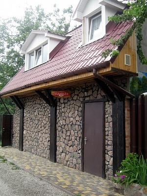Дом  посуточно в Кировограде. Кировский район, ул. Тельмана, 118. Фото 1