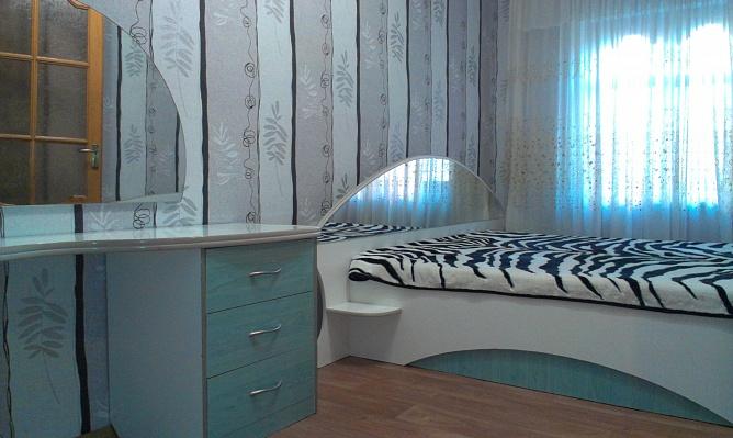 1-комнатная квартира посуточно в Херсоне. Суворовский район, ул. Потёмкинская, 33. Фото 1