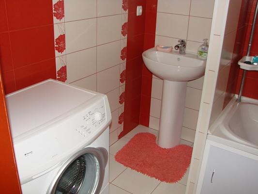 1-комнатная квартира посуточно в Донецке. Куйбышевский район, пр-т Панфилова, 116. Фото 1