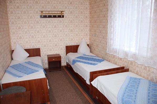 Комната  посуточно в Счастливцево. ул. Комарова, 32. Фото 1
