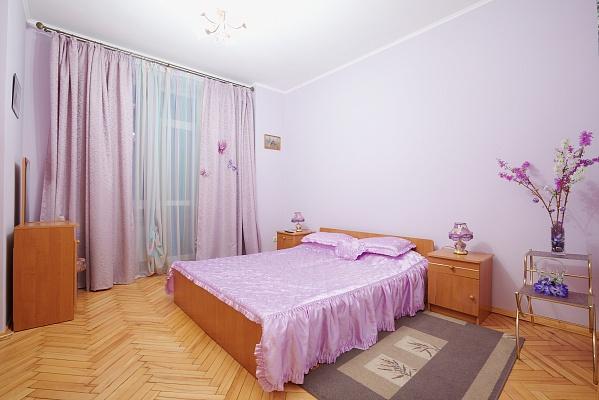 2-комнатная квартира посуточно в Львове. Лычаковский район, ул. Рыльського, 10. Фото 1