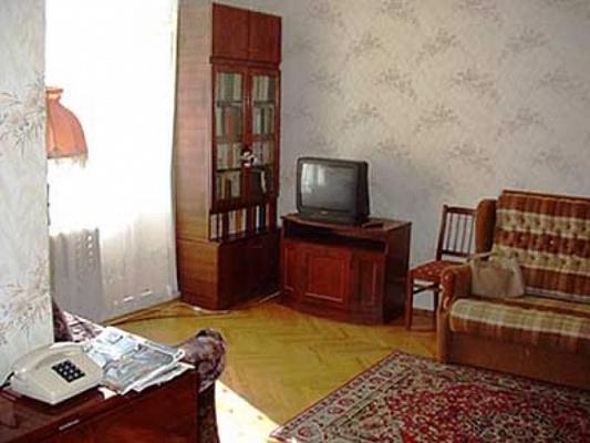 2-комнатная квартира посуточно в Днепропетровске. Индустриальный район, пр-т. Левобережный, 3. Фото 1