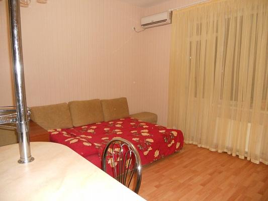 1-комнатная квартира посуточно в Одессе. Приморский район, ул. Пантелеймоновская, 88/1. Фото 1