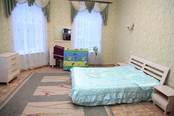 2-комнатная квартира посуточно в Львове. Галицкий район, пр-т Свободы, 2. Фото 1