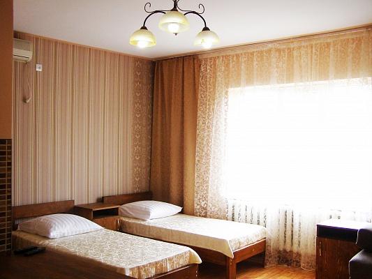 Дом  посуточно в Берегово. ул. Суворова, 114. Фото 1