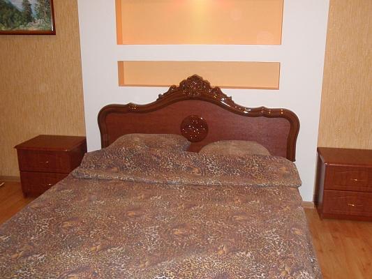 2-комнатная квартира посуточно в Ровно. ул. Тиха, 7. Фото 1