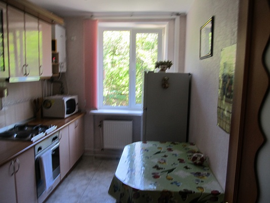 3-комнатная квартира посуточно в Партените. ул. Партенитская, 12. Фото 1