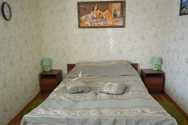 1-комнатная квартира посуточно в Каменце-Подольском. ул. Северная, 75/1. Фото 1