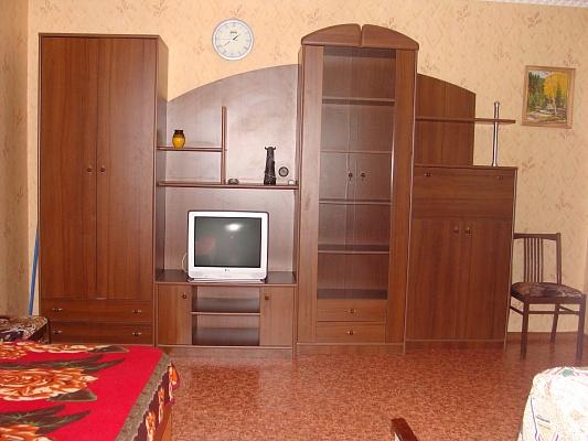 1-комнатная квартира посуточно в Евпатории. Ленина, 52. Фото 1