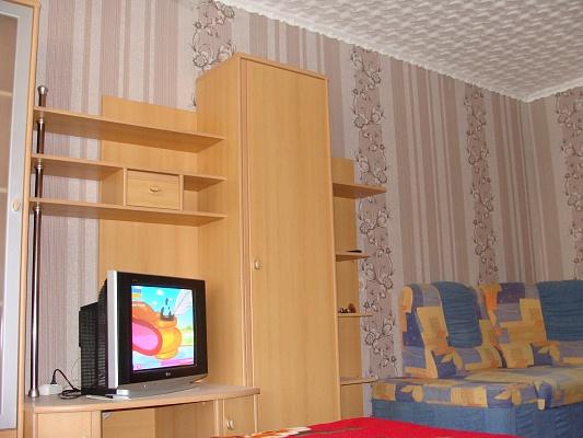 2-комнатная квартира посуточно в Евпатории. ул. Ленина, 20. Фото 1