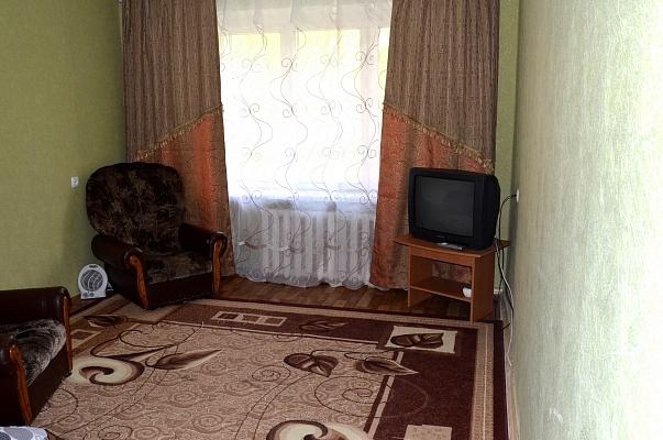 1-комнатная квартира посуточно в Нежине. ул. Синяковская, 75А. Фото 1
