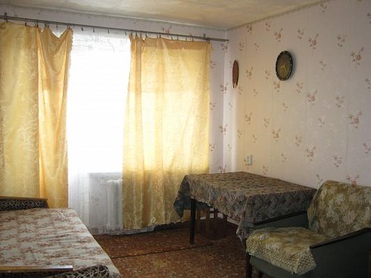 1-комнатная квартира посуточно в Бердянске. ул. Первомайская, 347. Фото 1