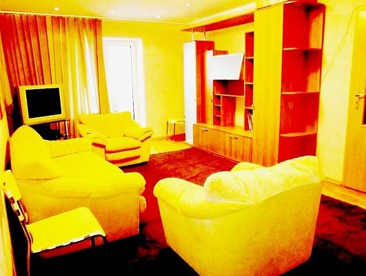 3-комнатная квартира посуточно в Киеве. Святошинский район, пл. Святошинская, 1. Фото 1