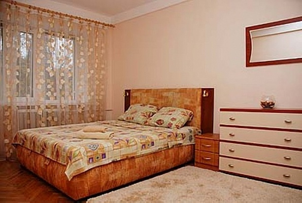2-комнатная квартира посуточно в Киеве. Печерский район, б-р Леси Украинки, 14. Фото 1