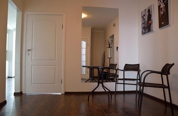 2-комнатная квартира посуточно в Трускавце. ул. Сoломеи Крушельницкой, 8. Фото 1