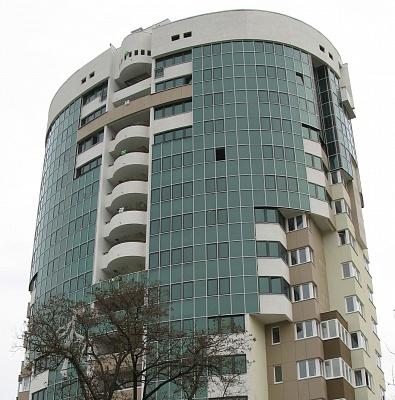 2-комнатная квартира посуточно в Симферополе. Центральный район, ул. Набережная, 28. Фото 1