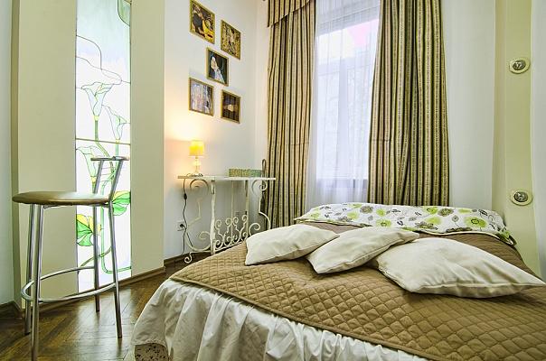 1-комнатная квартира посуточно в Львове. Галицкий район, ул. Менделеева, 15. Фото 1