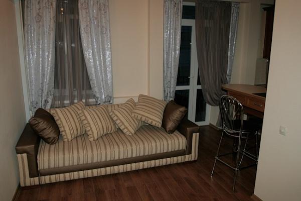 1-комнатная квартира посуточно в Ялте. ул. Рузвельта, 4. Фото 1