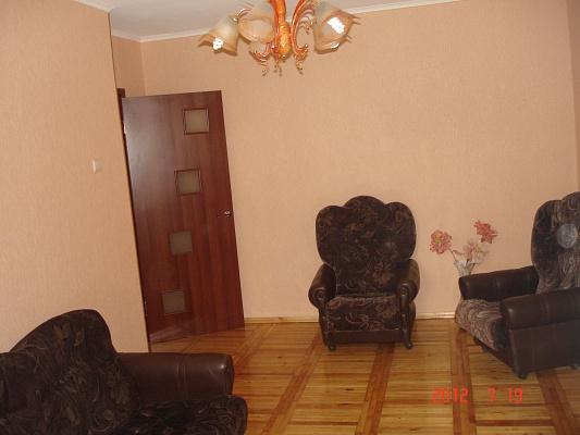1-комнатная квартира посуточно в Харькове. Коминтерновский район, пр-т ГАГАРИНА, 175. Фото 1