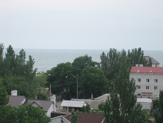 2-комнатная квартира посуточно в Бердянске. пр-т Пролетарский, 234. Фото 1
