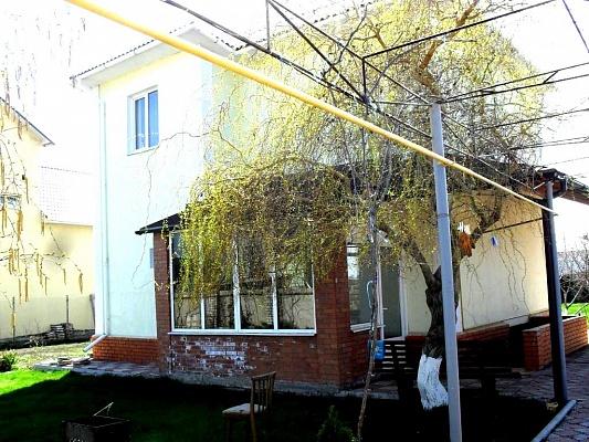 3-комнатная квартира посуточно в Ильичёвске. Соломенский район, Леонидово. Фото 1