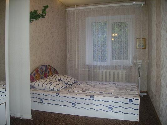 2-комнатная квартира посуточно в Донецке. Ворошиловский район, ул. Университетская, 48А. Фото 1