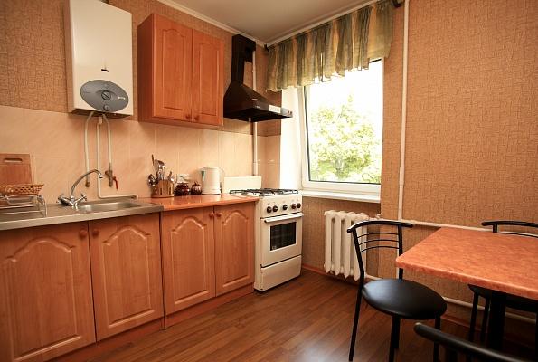 1-комнатная квартира посуточно в Ровно. б-р Независимости, 7. Фото 1