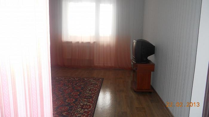 2-комнатная квартира посуточно в Хмельницком. проспект мира , 112. Фото 1