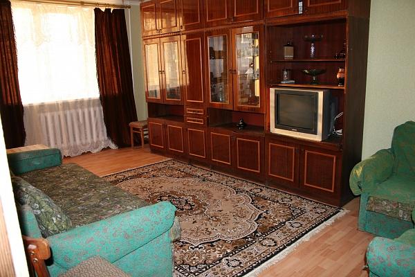 2-комнатная квартира посуточно в Севастополе. Балаклавский район, ул. Терлецкого, 24. Фото 1