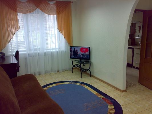 2-комнатная квартира посуточно в Кривом Роге. Саксаганский район, ул. Есенина, 9. Фото 1